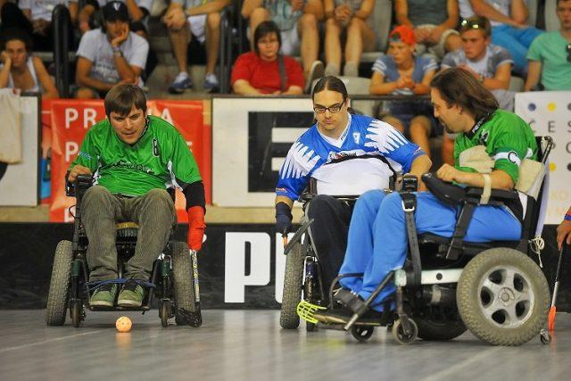 Na elektrickém vozíku hraje florbal už 5 klubů v ČR