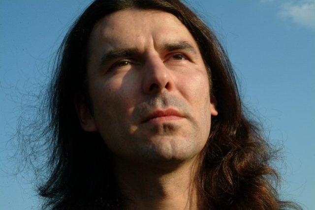 Vladimír Kučera, zpěvák, který si říká Raven