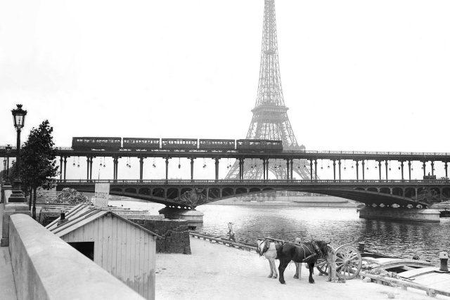 Eiffelova věž, Paříž, Seina