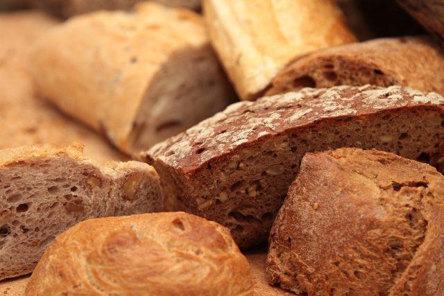 Chléb, pečivo