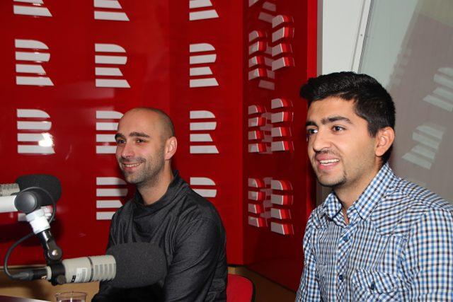 Lukáš Houdek (vlevo) a Navdar Mohamed byli hosté moderátorky Lucie Výborné