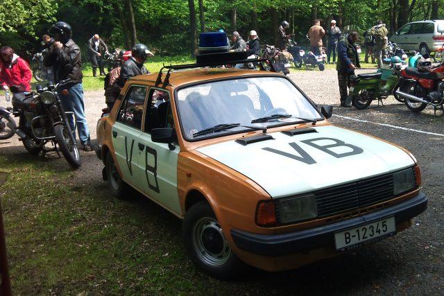 Policejní Škoda 120 v roce 1989