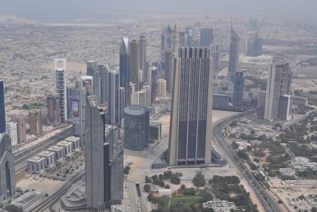 Nepolevující oteplování podle studií způsobí, že města v Perském zálivu, jako jsou Abú Zabí nebo Dubaj, budou během několika let prakticky neobyvatelná.