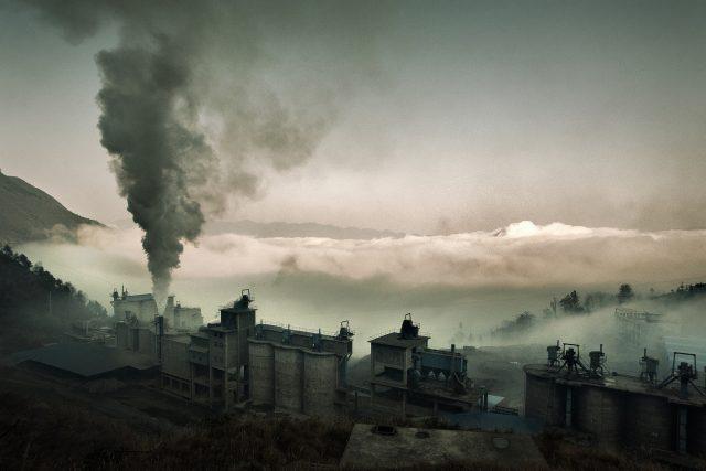 Továrna - znečištění