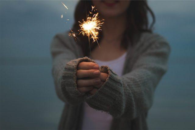 Prskavka, světlo, nový rok, radost