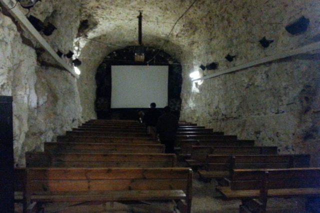 Malý kinosál v železničním tunelu   foto: Štěpán Macháček,  Český rozhlas