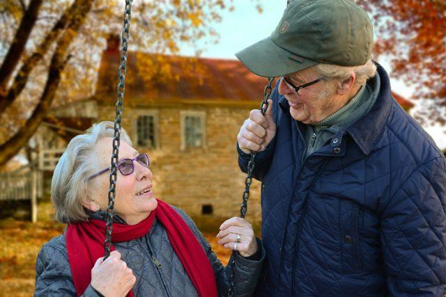pár,  staří lidé,  senioři,  důchodci | foto: Fotobanka Pixabay