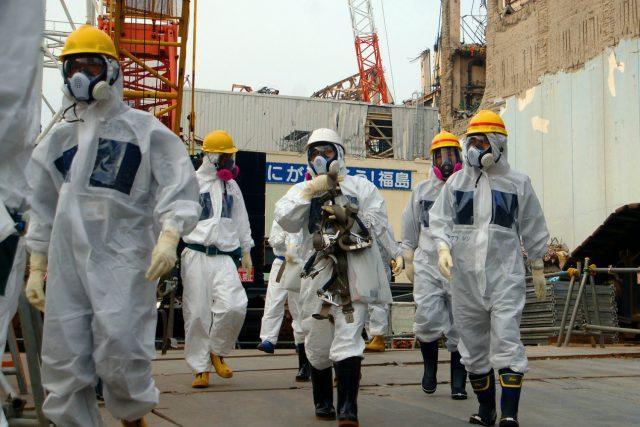 Experti Mezinárodní agentury pro atomovou energii na inspekci v jaderné elektrárně Fukušima