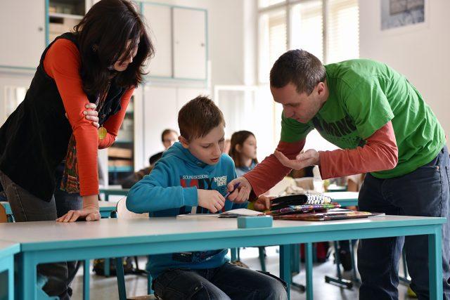 Výuka znevýhodněných dětí v běžných třídách funguje v ZŠ Lyčkovo náměstí už roky