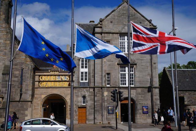 Vlajky, Skotsko, Velká Británie, referendum, brexit