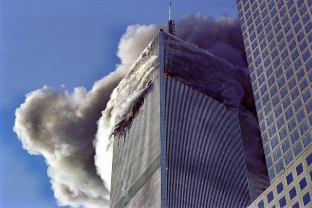 Světové obchodní centrum v New Yorku,  11.9.2001 | foto: licence Creative Commons Attribution-Share Alike 3.0 Unported