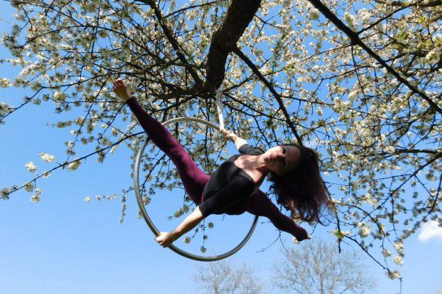 Cvičení na kruzích,  Bára Ročňová | foto: Barbara Poláková