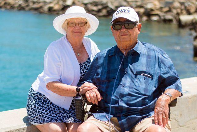 senioři, seniorská láska, prarodiče, dědeček, babička, léto, senior, seniorka