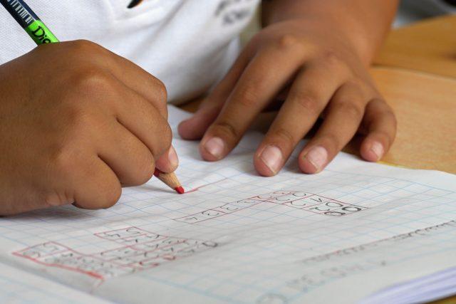 Řada romských dětí by si doučování dovolit nemohla | foto: Lourdes Ñique Grentz