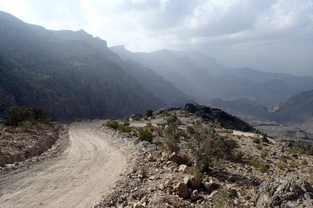 Než vyrazíte v Ománu na túru, je třeba se dostat do míst, kde začínají značené stezky
