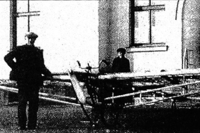 Josef Kábele a jeho lidskou silou poháněné letadlo, 1934