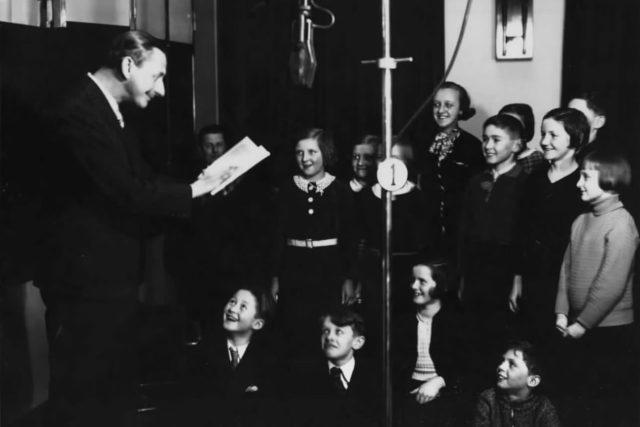 Vlasta Burian v dětské besídce 1935