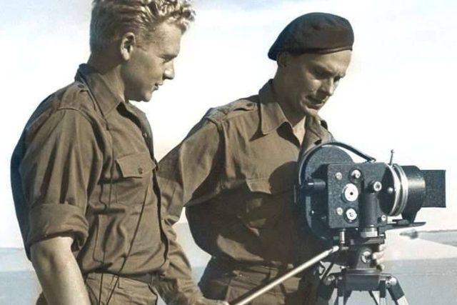 Hanzelka a Zikmund jako filmaři na cestách | foto: FB Století Miroslava Zikmunda