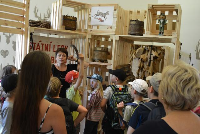 Hravá výstava Les pramenů v loveckém zámku Ohrada v Hluboké nad Vltavou