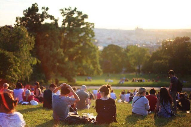 Riegrovy sady - Praha - park - v parku - mileniálové