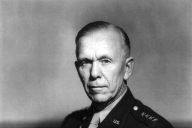 George Marshall   foto: Public domain,  Wikimedia Commons
