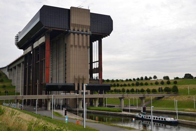 Lodní výtah v belgickém Strépy-Thieu byl dlouho největším na světě