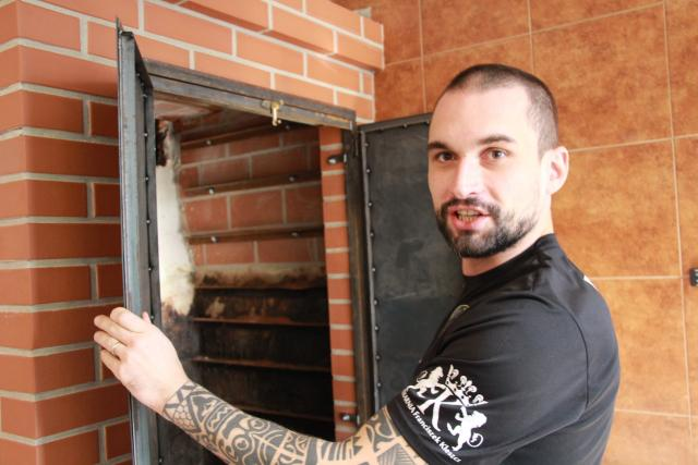 V rodině Kuby Farona se připravuje zákvas do žuru už několik generací