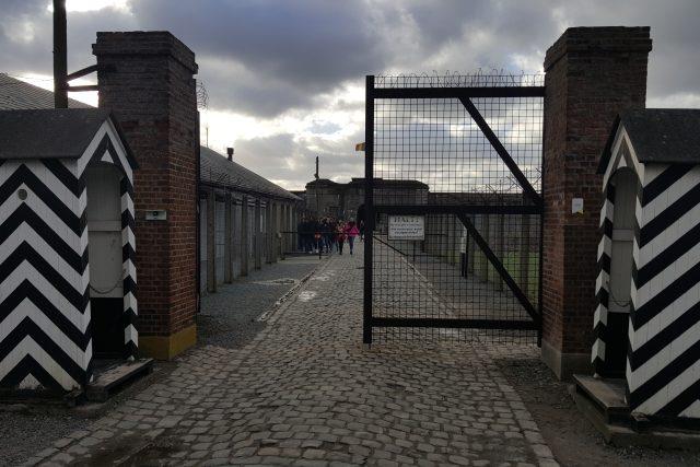 Branou dotábora v pevnosti Breendonk prošlo během nacistické okupace na čtyři tisíce vězňů. Přežila sotva polovina