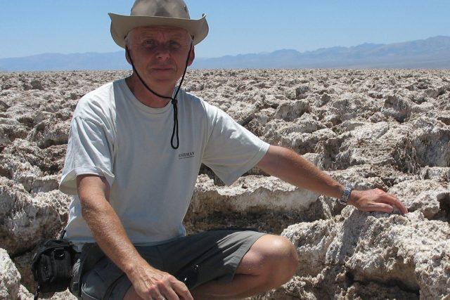 Hydrogeolog Zbyněk Hrkal v americkém Údolí smrti, kde nepršelo několik let