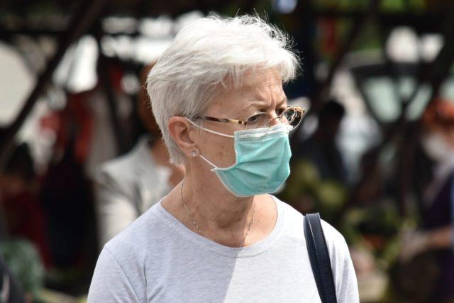 Chrání brýle před koronavirem? Podle čínské studie ano.