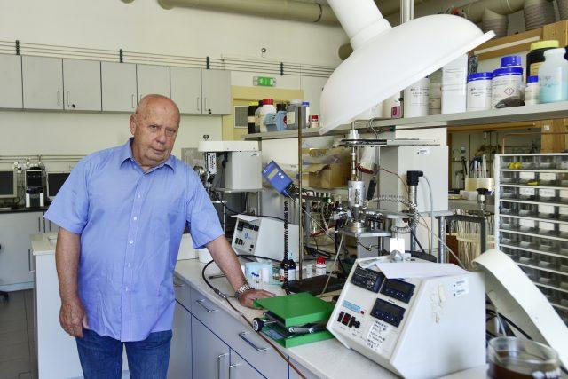 Profesor Libor Červený z Fakulty chemické technologie VŠCHT