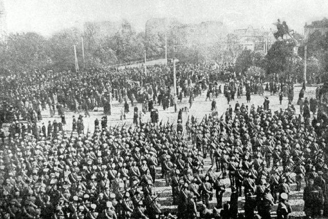 Československé legie  (v září 1914 proběhla slavnostní přísaha prvních 716 československých dobrovolníků České družiny | foto: Wikimedia Commons,  lic. Public domain