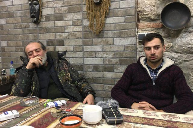 Na konci roku 2012 naložil pan Hovig Asmerjan rodinu do aut a odjeli ze Sýrie do Karabachu. Teď se válčí tady