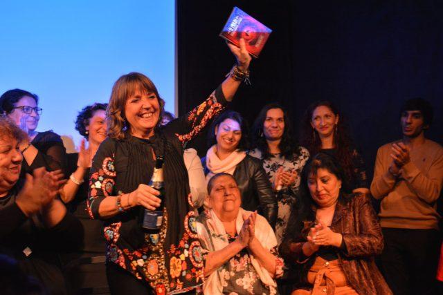 Knihu O mulo pokřtila herečka Bára Hrzánová za účasti autorek