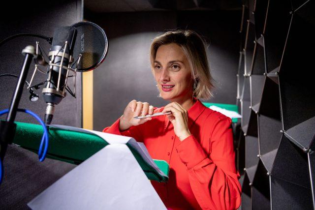 Natáčení dramatizace Iana McEwana Skořápka, Barbora Poláková