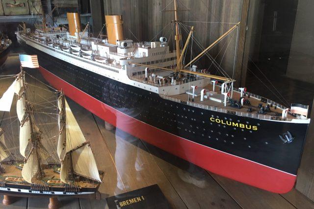 Většina zaoceánských parníků s emigranty odplouvala z německého přístavu Bremerhaven, kde se na zámořské parníky nalodilo přes sedm milionů lidí.