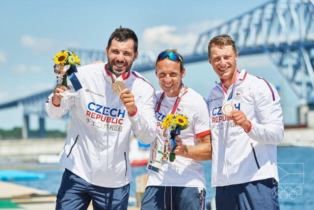 Deblkajakáři Josef Dostál a Radek Šlouf získali bronzovou medaili | foto: Barbora Reichová,  Český olympijský výbor