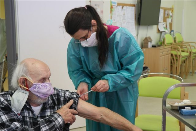 Očkování v domově seniorů na Severní Terase v Ústí nad Labem