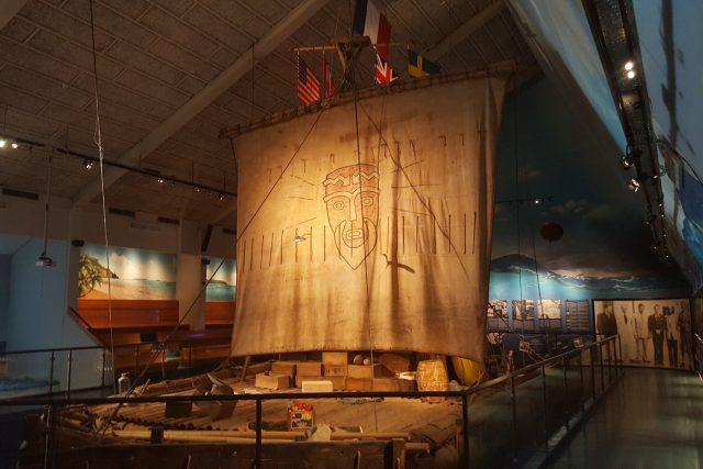 Vor Kon-Tiki v muzeu v Oslu. Thor Heyerdahl ho postavil z balsového dřeva podle primitivní aztécké konstrukce - a přeplul na něm Tichý oceán.