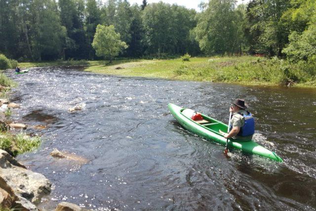Nová aplikace ČHMÚ+ informuje mimo jiné i o aktuálním stavu vody v českých řekách.  | foto: Lucie Hochmanová,  Český rozhlas,  Český rozhlas