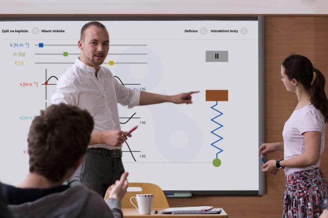 Šetří čas učitelům,  motivuje studenty a podporuje skupinovou práci,  to jsou podle jejích tvůrců tři hlavní výhody aplikace Techambition.   foto:  Techambition