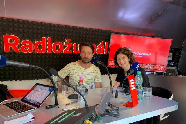 Václav Neužil s Marthou Issovou   foto: Tomáš Černý,  Český rozhlas
