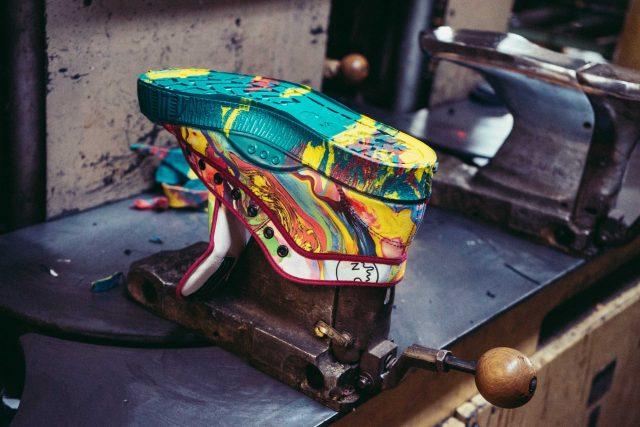 Výroba obuvi Kave Footwear ve Zlíně
