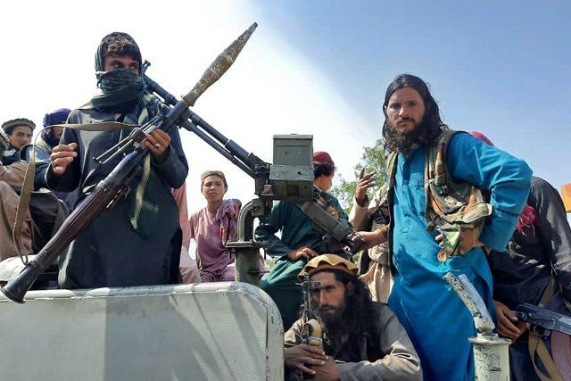 Tálibán obsazuje jedno město za druhým | foto: Fotobanka Profimedia
