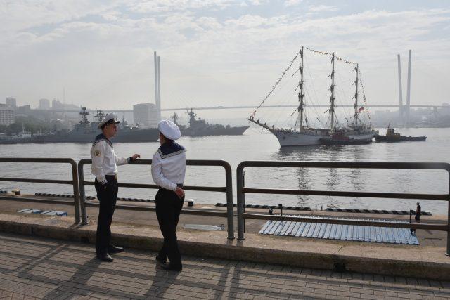 Přístav ve Vladivostoku má svoji neopakovatelnou atmosféru | foto: Tomáš Vlach,  Český rozhlas,  Český rozhlas