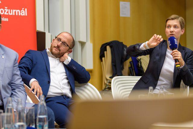 Sociologové Daniel Prokop a Paulína Tabery představují výsledky průzkumu Rozděleni svobodou