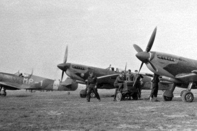 Československé perutě RAF létaly na proslulých Spitfirech