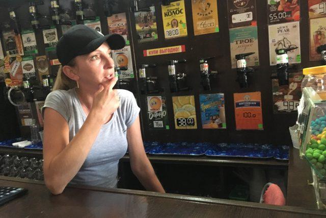 """""""Denně tu vytočím přes tisíc litrů piva,"""" říká výčepní Irina"""