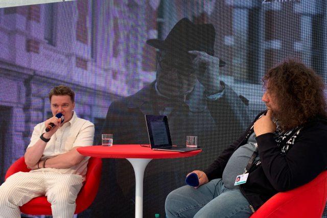 Petr Kolečko v rozhovoru s Vladimírem Krocem | foto: Barbora Turazová,  Český rozhlas