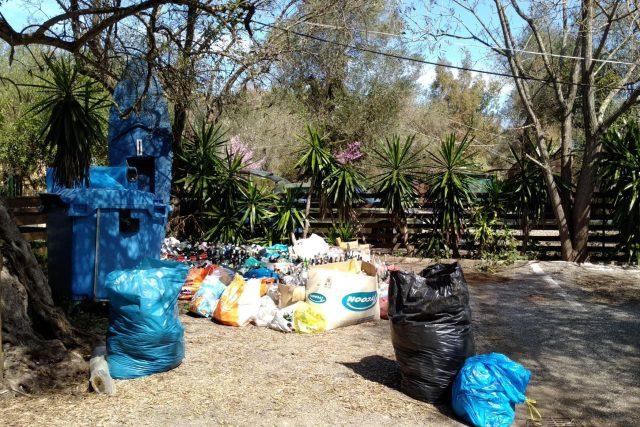 Podle oficiálních údajů tvoří 44 procent celkového odpadu v Řecku bioodpad, zbytek je recyklovatelný odpad